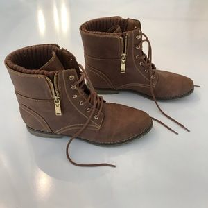 Tommy Hilfiger brown and gold boots